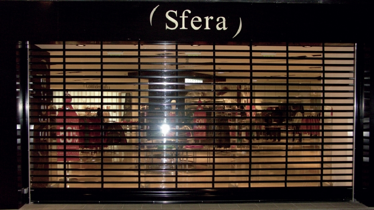 TRANSPARENT CLOSED TYPE POLYCARBONATE ROLLER SHUTTERS